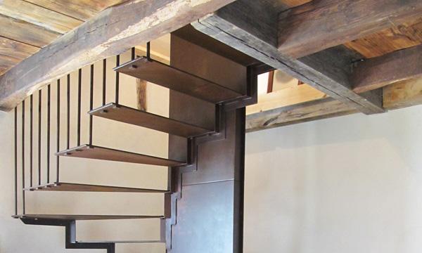 gite-issepts-escalier